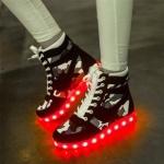 รองเท้า Simulation LED USB LED ลายพราง