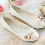 รองเท้าหุ้มส้นผู้หญิง หนัง pu ดีไซน์ เก๋ ตกแต่ง คริสตัล แอปเปิ้ล ด้านหน้ารองเท้า รองเท้าผู้หญิง ไม่มีส้น สีพื้น สีขาว 94339_3