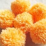 ปอมปอมไหมพรมสีส้มอ่อน ขนาด 2 นิ้ว pompoms crochet