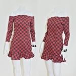 **สินค้าหมด dress2161 เดรสแฟชั่นเปิดไหล่ แขนสามส่วน ชายระบาย ซิปหลัง ผ้าไหมอิตาลีลายสี่เหลี่ยม โทนสีดำแดง