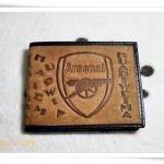 กระเป๋าสตางค์ ลายทีมฟุตบอล Arsenal สีน้ำตาลอ่อน หนังแท้ทนสุด ๆ