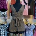 Sale!! blouse1595 เสื้อแฟชั่นตัวยาว ผ้านิ่มลายจุดวิ้ง คอวี โบว์เอว สีน้ำตาล