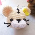 พวงกุญแจหัวตุ๊กตาสูง 2 นิ้ว amigurumi crochet keychain
