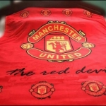 ผ้าห่มกำมะหยี่ เนื้อนุ่ม ลายทีมฟุตบอล Manchester United สีแดง