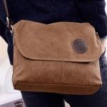 กระเป๋าผ้าแคนวาส กระเป๋าสะพายข้าง แบบเรียบ ๆ สะพาย ใส่ของทำงาน หรือ เรียน ใส่ของได้เยอะ สีพื้น สีดำ สีน้ำตาล มีสายสะพายปรับได้ 160137