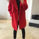 สีแดง : เสื้อโค้ทกันหนาว ทรงสวย ผ้ากำมะหยี่ผสมสักกะหลาด เนื้อเบา ไม่หนา ทรงไม่เข็งค่ะ บุซับในกันลม พร้อมส่งจ้า สำเนา
