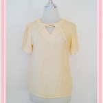 **สินค้าหมด Sale!! blouse1627 เสื้อแฟชั่นผ้าชีฟองสีพื้นปักมุกแขนระบาย สีเหลือง