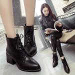 Boots รองเท้าบูท หนังสีดำ ด้านในเป็นขนสั้น แต่งหมุดรอบพื้นรองเท้า เก๋ๆ สำเนา