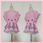 **สินค้าหมด blouse1746 เสื้อแฟชั่นงานแพลตตินั่มผ้านิ่มปักลายช่อดอกไม้ แขนในตัว เอวจัมพ์ สีชมพูพาสเทล รอบอก 38 นิ้ว