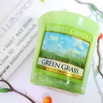 Yankee Candle / Samplers Votives 1.75 oz. (Green Grass)