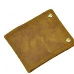 กระเป๋าสตางค์ผู้ชาย หนังวัวแท้ ใบสั้น สีน้ำตาล เหลือง กระเป๋าสตางค์ สไตล์วินเทจ แบบบาง โชว์ลายหนัง 2 พับ มีช่อง ซิป แบบสวยมากค่ะ ลดราคา 322767