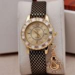 นาฬิกาข้อมือผู้หญิง ประดับ คริสตัล เพชร ห้อย จี้รูปหงส์ สวยสง่า นาฬิกาสุดหรู สายหนัง มี สีน้ำเงิน สีดำ สีทอง สีน้ำตาล และ สีขาว no 957521