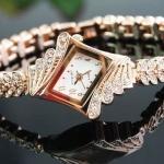 นาฬิกาข้อมือ ฝังเพชร สี Rose Gold เพชรสังเคราะห์ สายลายดอกไม้เรียงแถว สวยมากค่ะ no 96238