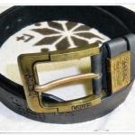 เข็มขัดหนัง Levis สีดำ หัวสีทองเหลืองสลักลาย L564