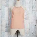 Blouse1820 เสื้อแฟชั่นโชว์ไหล่คอเพชร ผ้าชีฟองสีชมพูนู้ด