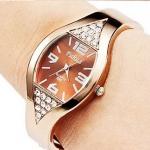 นาฬิกาข้อมือ ผู้หญิง แบบ กำไลข้อมือ ดีไซน์ หน้าปัด โค้งออก เพิ่มมิติ ประดับ เพชร CZ สามาเหลี่ยม 2 มุม นาฬิกา กำไล ใส่ออกงาน 401876_2