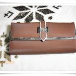 กระเป๋าสตางค์ lc ใบยาวรุ่นเข็มขัด สีน้ำตาล K203