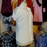Sale!! blouse1586 เสื้อแฟชั่นคอปกเชิ้ต ผ้าชีฟอง กระดุมหน้า แขนสั้นเว้าไหล่ สีขาว