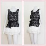 **สินค้าหมด dress2292 เดรสแฟชั่นน่ารักเสื้อแขนกุดผ้าแก้วปักลายดอกไม้สีดำคอมุกคลุมทับเดรสชายระบายชีฟองสีขาว
