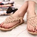 รองเท้าส้นแบน รองเท้าแฟชั่น ผู้หญิง รองเท้าแตะ แบบหนีบ รองเท้ารัดส้น ใส่เที่ยว ลายดอกไม้ สีน้ำตาล ปิดหน้าเท้า รองเท้าใส่เดินชายหาด 916623_3