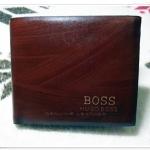 กระเป๋าสตางค์ Boss ลายไม้สีน้ำตาลเข้ม B5652