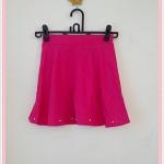 **สินค้าหมด skirt260 กระโปรงแฟชั่นงานแพลตตินั่ม ผ้าหนาเนื้อดี ปักมุกชายกระโปรง สีชมพูช็อคกิ้งพิ้งค์ เอวยืด 26-34 นิ้ว