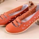 รองเท้าหุ้มส้น ผู้หญิง รองเท้าหนังแท้ ออกแบบ ฉลุลายดอกไม้ รอบ ด้านบนเป็นแบบ สายคาด 2 เส้น สไตล์เกาหลี หวาน ๆ สีส้ม no 351745_1