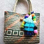กระเป๋ากระจูดสาน ลายเขียว แถมที่แขวนกระเป๋า ขนาด 11*10*4*16 นิ้ว basket weave bags