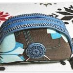กระเป๋าใส่ดินสอ 3 ซิป สีน้ำตาลลายดอกไม้ Kp903