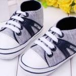 รองเท้าผ้าใบเด็กเล็ก รองเท้าเด็ก อายุ 6-18 เดือน รองเท้าผ้าใบสีเทา นุ่ม ใส่สบาย สีเทา คาดลายน้ำเงิน มีเชือกผูก รองเท้าเด็ก น่ารัก ๆ 320943