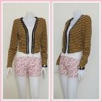 blouse1816 เสื้อคลุมแฟชั่น แขนยาว บ่าฟองน้ำ ผ้ายืดเนื้อหนาลายขวาง สีดำเหลือง รอบอก 38 นิ้ว ความยาว 19 นิ้ว