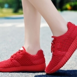รองเท้าผ้าใบ ผู้หญิง สีแดง สาวเปรี้ยว แบบเชือกผูก รองเท้า วัยรุ่น รองเท้าหุ้มส้น รุ่นระบายอากาศ ใส่เที่ยว ใส่เดินทาง 465384_4