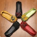 รองเท้าหุ้มส้น ผู้หญิง รองเท้าหนังวัวแท้ รองเท้าสไตล์วินเทจ แต่งลายดอกไม้ ดอกใหญ่ เก๋ ๆ รองเท้า สาว ๆ น่ารัก 431843