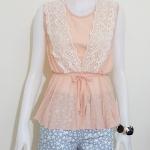 **สินค้าหมด blouse1801 เสื้อแฟชั่นน่ารัก แขนกุด เอวจัมพ์เชือกผูกเอว ผ้าชีฟองแต่งลูกไม้ถัก สีโอลด์โรสอ่อน รอบอก 38 นิ้ว เอวยืดได้ถึง 38 นิ้ว ความยาว 23 นิ้ว