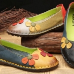 รองเท้าหุ้มส้น ผู้หญิง รองเท้าหนังแท้ รองเท้าแฟชั่น ส้นแบน หุ้มส้น ลายดอกไม้ หวาน ๆ รองเท้าใส่เที่ยว 566552