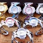 นาฬิกาข้อมือผู้หญิง นาฬิกาข้อมือแบบ กำไลเงิน สวยเก๋ เข้ากับ ชุดไปเที่ยว ชุดเดรส หน้าปัดกลม ติดเพชร คริสตัล หน้าปัดหลากสี 546650