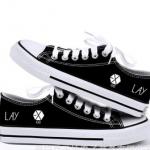 Preorder รองเท้าผ้าใบ EXO lay DFBX0012