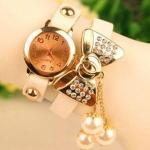 นาฬิกาข้อมือ ผู้หญิง สายหนัง ห้อย ตุ้งติ้ง ไข่มุก สวยเก๋ ติดโบว์สีทอง ฝังเพชร นาฬิกา แบบเท่ ผสม หวาน อย่างลงตัว 761841