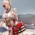 กระเป๋าถือ กระเป๋าผู้หญิง Polo หนัง Pu แบบคงรูป สีขาวสลับดำ ติดโบว์สีแดง ซิป 3 ช่อง ดีไซน์ ยุโรป กระเป๋าแฟชั่น 2015 no 264410