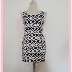 **สินค้าหมด dress2088 เดรสแฟชั่นงานแพลตตินั่มผ้ายืดเนื้อดี แขนกุด ลายข้าวหลามตัดจุดเล็กโทนสีขาวดำ