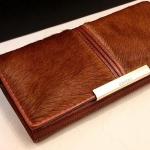 กระเป๋าสตางค์ใบยาว กระเป๋าสตางค์ผู้หญิง แต่งขนม้า แท้ สวยเก๋ ไม่ซ้ำใคร กระเป๋าสตางค์หรู ขนม้า สีน้ำตาล 30945