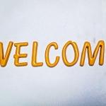 """""""WELCOME"""" ตัวเรซิ่นขนาด 2 นิ้ว สีเหลือง"""