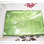 ผ้าแพร 6 ฟุต สีเขียวตองอ่อนลายดอกกุหลาบ P103