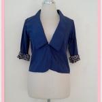 **สินค้าหมด blouse1683 เสื้อคลุมแฟชั่นคอปกสูท ผ้าเนื้อดี กระดุมหน้า แขนสี่ส่วนต่อชายลายเสือ สีกรมท่า