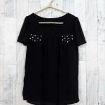 **สินค้าหมด blouse1777 เสื้อแฟชั่นผ้าชีฟองเนื้อทราย แต่งกระเป๋าหลอกปักมุก แขนสั้น สีดำ