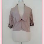 ** สินค้าหมด blouse1681 เสื้อคลุมแฟชั่นคอปกสูท ผ้าเนื้อดี กระดุมหน้า แขนสี่ส่วนต่อชายลายเสือ สีน้ำตาลกากี