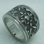 แหวนผู้ชาย แหวน Stainless Steel แกะ ลายดอกไม้ เก๋ ๆ เท่ ๆ แบบสวย คลาสสิค ลายโบราณ ใส่แล้วดูดี ของขวัญให้แฟน สุดหรู 448735