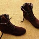 รองเท้าบูทผู้หญิง หนังแท้ รองเท้ามาตินบูท ส้นแบน สีพื้น สไตล์ สาวคาวบอย เท่ ๆ สีน้ำตาลเข้มมาก สียอดฮิต รองเท้าผ้าใบแบบหุ้มข้อสูง 399771_7