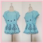 **สินค้าหมด blouse1747 เสื้อแฟชั่นงานแพลตตินั่มผ้านิ่มปักลายช่อดอกไม้ แขนในตัว เอวจัมพ์ สีฟ้าพาสเทล รอบอก 38 นิ้ว