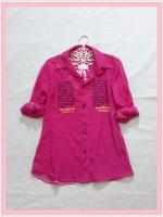 blouse2058 เสื้อเชิ้ตแฟชั่นไซส์ใหญ่ คอปก แขนยาว กระดุมหน้า ผ้าชีฟองสกรีนลายตัวอักษรสีชมพูช็อคกิ้งพิ้งค์